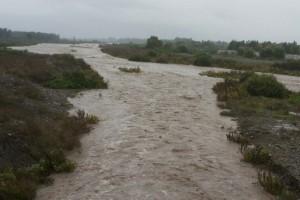 Caudal del Río Mapocho muestra considerables crecidas hasta El Monte