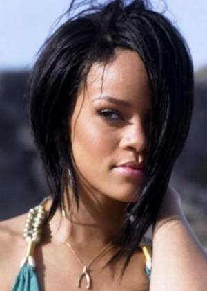 Rihanna protagoniza sensual sesión de fotos